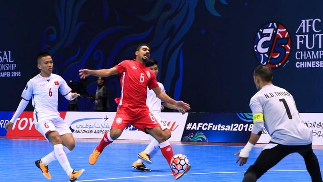 Hạ Bahrain 2-1, tuyển Việt Nam thắp lên hy vọng đi tiếp