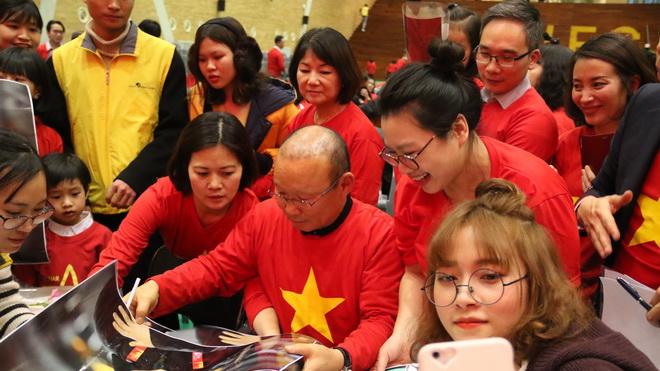 HLV Park Hang Seo: 'Bóng đá Việt Nam có thể gặt hái nhiều thành công hơn nữa'