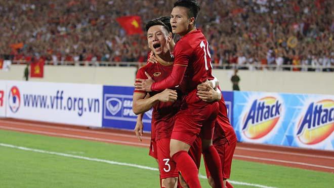 HLV Park Hang Seo: 'Văn Hậu và Công Phượng chơi tốt, Tuấn Anh chấn thương không nghiêm trọng'