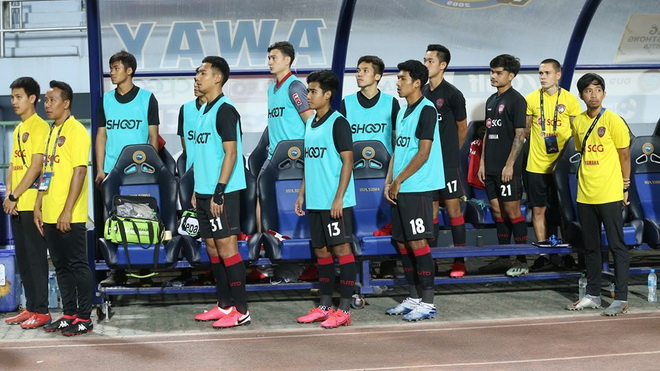 bóng đá Việt Nam, tin tức bóng đá, Văn Lâm, Dang Van Lam, Muangthong United, Thai League, V League, Văn Lâm sang Nhật, Cerezo Osaka, Park Hang Seo