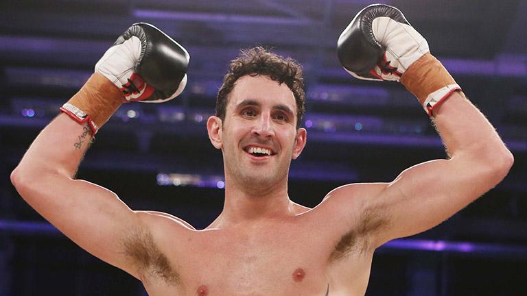 SỐC: Võ sĩ Boxing bất ngờ tử vong dù giành chiến thắng khi thượng đài