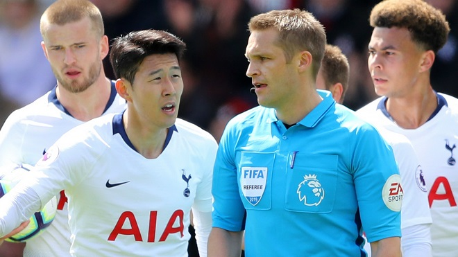 Fan Tottenham: 'Son Heung Min muốn nghỉ sớm để đá trận Ajax nên mới bị thẻ đỏ như thế'