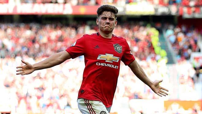 Fan MU phát sốt với 'siêu phẩm' của Daniel James vào lưới Southampton