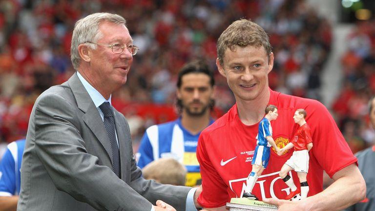 Bóng đá hôm nay 2/4: Tiết lộ bí quyết chuyển nhượng của Sir Alex. Kane được khuyên tới Man City