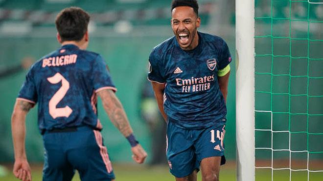 Kết quả cúp C2: Arsenal và Milan thắng dễ. Tottenham ngậm ngùi chia điểm