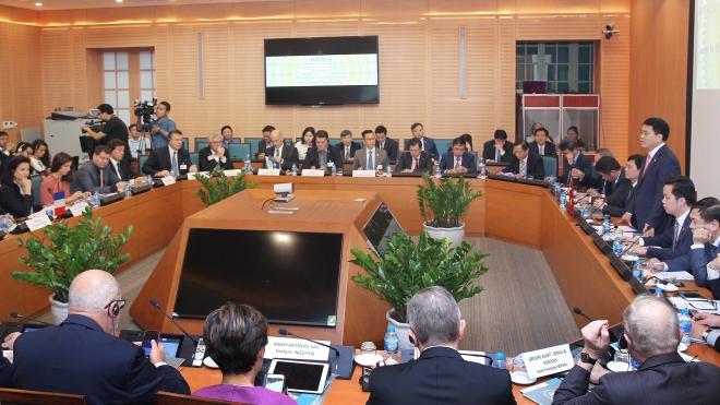 Hà Nội kêu gọi doanh nghiệp Pháp đầu tư xây dựng thành phố thông minh