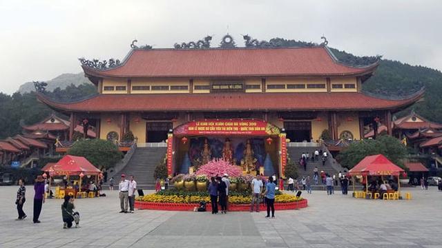 Đoàn công tác của Bộ VHTTDL làm việc với UBND TP Uông Bí về thông tin 'Truyền bá vong báo oán chùa Ba Vàng'