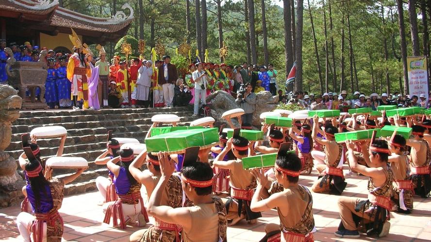 Giỗ tổ Hùng Vương - Lễ hội Đền Hùng 2019: Nơi hội tụ 'con cháu Lạc Hồng'