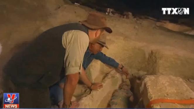 Ai Cập truyền hình trực tiếp mở quách chứa xác ướp 2.500 năm