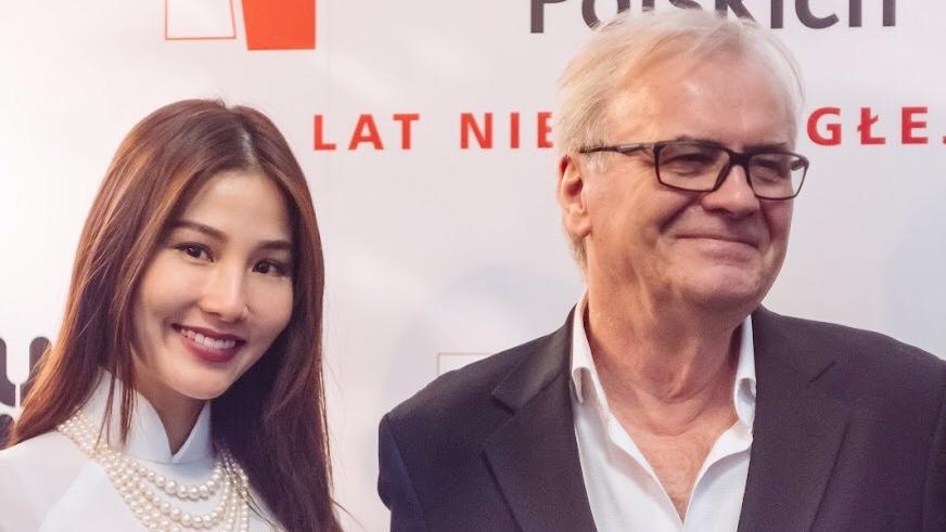 Diễm My 9X 'bắn' tiếng Anh như gió ở Tuần lễ phim Việt tại Ba Lan