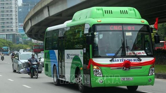 Phát triển xe buýt ở Hà Nội: Những thách thức