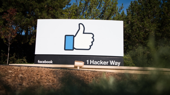 Facebook dự định chi hàng chục triệu USD mua tin tức