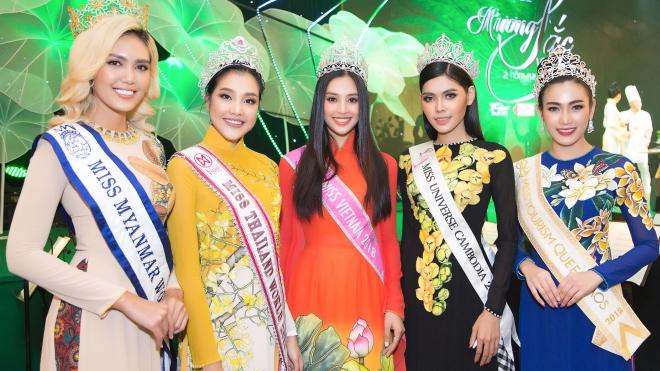 Nén chuyện buồn riêng, Hoa hậu Tiểu Vy dự sự kiện 'Hương sắc Việt Nam'