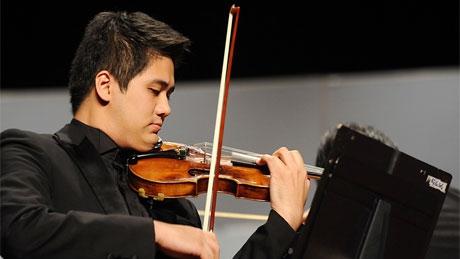 Nghệ sỹ tài danh Bùi Công Duy độc tấu concerto của Mendelssohn