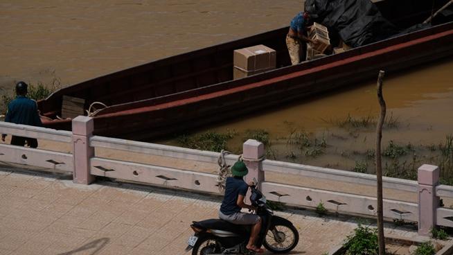 Kỷ luật cán bộ đồn biên phòng Móng Cái vì để hàng lậu vào nội địa