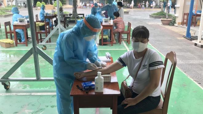 Dịch COVID-19: Xét nghiệm gần 3.000 người trong khu vực phong tỏa tại Đà Nẵng
