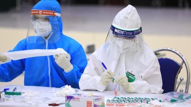 5 trường hợp mắc COVID-19 ở Hà Nội có kết quả test âm tính trước đó