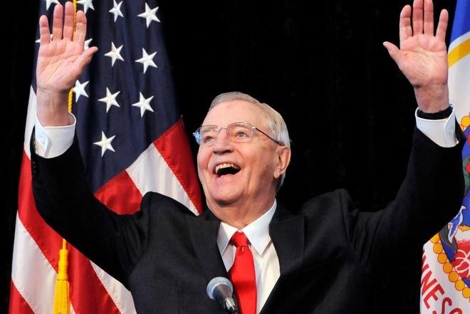 Walter Mondale, Cựu Phó Tổng thống Mỹ Walter Mondale qua đời, Phó Tổng thống tốt nhất trong lịch sử nước Mỹ, cựu Tổng thống Bill Clinton, Barack Obama
