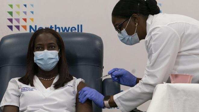 Mỹ sẽ không yêu cầu hộ chiếu vaccine Covid-19