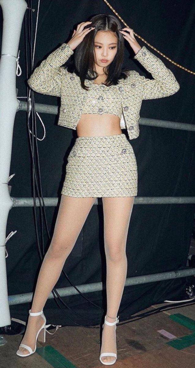 Blackpink. Jennie. 4 món đồ Jennie ưu ái để thăng hạng nhan sắc. Jennie fashion, Bật mí 4 món quần áo được Jennie Blackpink ưu ái diện thường xuyên để thăng hạng nhan sắc