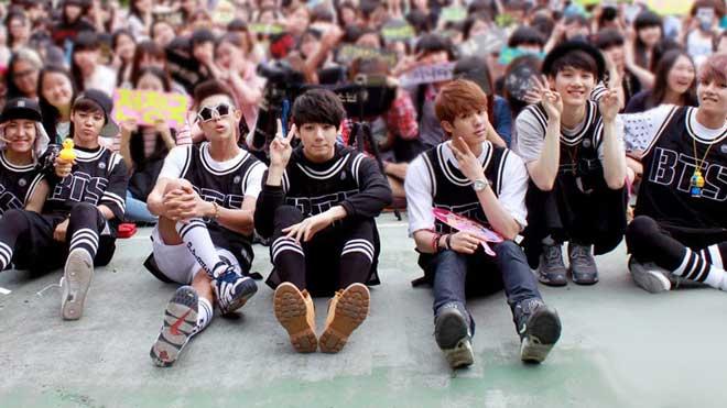VIDEO: Nhìn những hình ảnh ngây ngô này, chắc ít ai ngờ BTS sẽ có ngày vươn tới đỉnh cao của Kpop