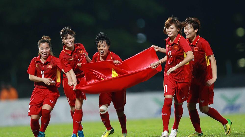 HLV Mai Đức Chung nói gì về cơ hội dự Olympic của đội tuyển bóng đá nữ?