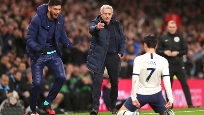 Ngoại hạng Anh: Mourinho trên cơ Guardiola, Tottenham mơ đổi đời?
