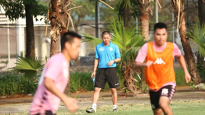 HLV Chu Đình Nghiêm, Hà Nội FC, V League, Văn Hậu
