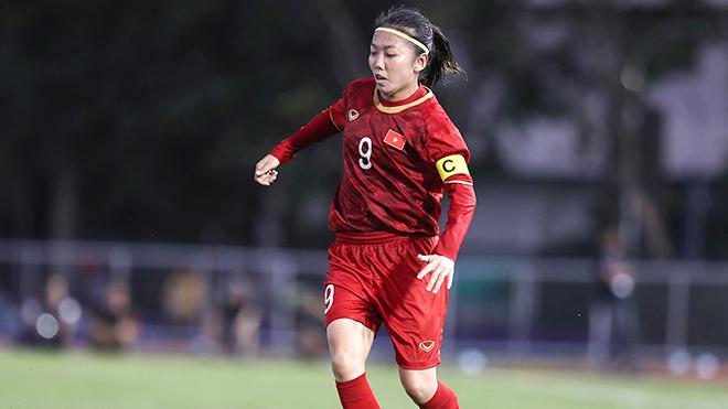 Nữ tuyển thủ Huỳnh Như sốt ruột chờ ngày trở lại