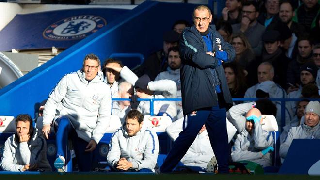 Sarri vẫn chưa thể yên ổn ở Chelsea