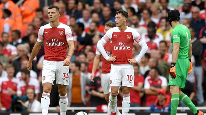 Tháng 8 chưa qua, Arsenal đã rời xa Top 4