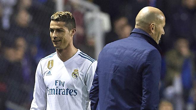 Ronaldo sinh nhật lần thứ 33: Chưa bao giờ, CR7 thua Messi cả...