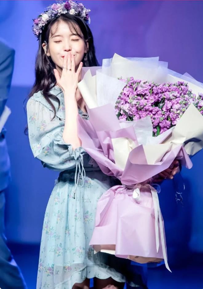 IU, Thần tượng K-pop IU, IU chia sẻ bí quyết hẹn hò, IU hợp Jungkook