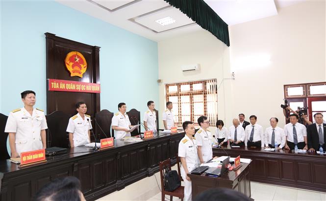 Trong ảnh: Hội đồng xét xử tuyên án sơ thẩm đối với các bị cáo. Ảnh: Dương Giang - TTXVN