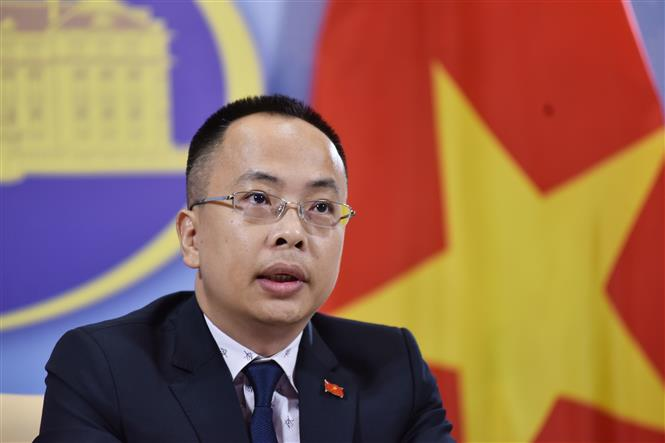 Trong ảnh: Phó Phát ngôn Bộ Ngoại giao Đoàn Khắc Việt thông báo một số hoạt động đối ngoại của Việt Nam. Ảnh: TTXVN