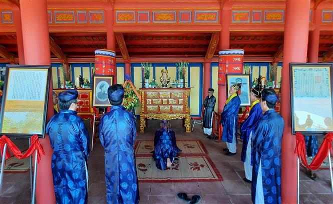 Lễ an vị bài vị Hoàng đế Hàm Nghi và các nghĩa sỹ Cần Vương tại Khu di tích quốc gia Thành Tân Sở, thôn Mai Đàn, xã Cam Chính, huyện Cam Lộ. Ảnh: Hồ Cầu-TTXVN