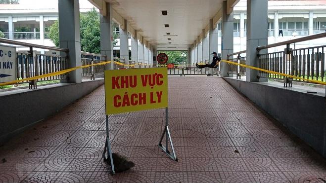 Dịch COVID-19: Việt Nam ghi nhận 2 ca mắc mới, được cách ly ngay sau nhập cảnh