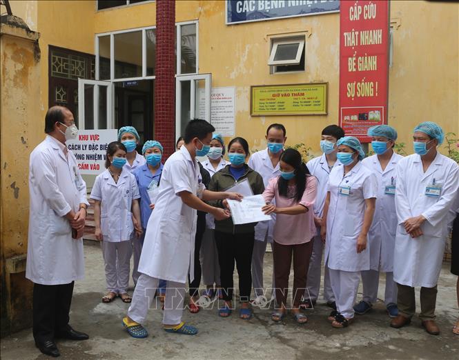 Các bệnh nhân điều trị ở Hà Nam được ra viện