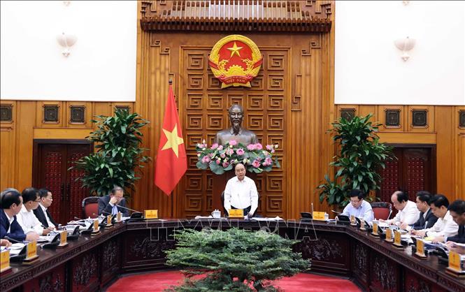 Thủ tướng Nguyễn Xuân Phúc phát biểu tại phiên họp. Ảnh: Thống Nhất – TTXVN