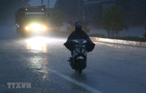 Thủ đô Hà Nội, có lúc có mưa, mưa rào nhẹ