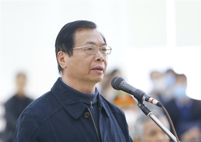 Trong ảnh: Bị cáo Vũ Huy Hoàng (67 tuổi, cựu Bộ trưởng Bộ Công Thương) khai báo tại phiên tòa. Ảnh: Doãn Tấn - TTXVN