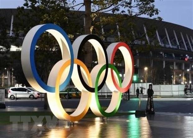 Vòng tròn Olympic được trưng bày tại sân vận động Quốc gia Tokyo, Nhật Bản. (Nguồn: Kyodo/TTXVN)