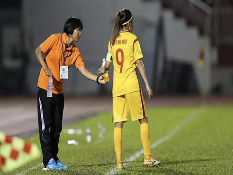 HLV Kim Chi đang đứng trước cơ hội lần thứ 4 viết sử cho bóng đá TP.HCM. Ảnh: Anh Duy