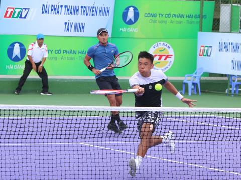 Đây là lần đầu tiên Quốc Khánh vô địch đôi nam Men's Future, kém người đàn em Lý Hoàng Nam một danh hiệu. Ảnh: TT