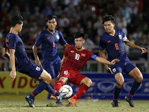 Trận hoà đối thủ bị đánh giá cửa dưới như U18 Thái Lan khiến U18 Việt Nam đứng trước nguy cơ bị loại sớm. Ảnh: Tuấn Hữu