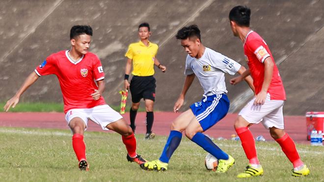 Tuy nhiên Hồng Lĩnh Hà Tĩnh (đỏ) khó lòng tuột tay chức vô địch và vé lên chuyên duy nhất của giải HNQG 2019. Ảnh: VPF