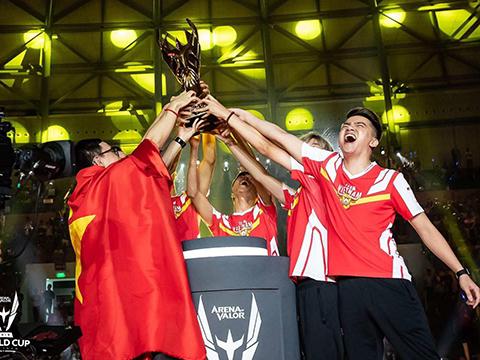 Team Flash - đại diện Việt Nam có chức vô địch thế giới Liên Quân Mobile ngày 14/7 tại Singapore. Ảnh: WCML