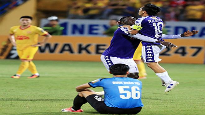 Bộ đôi Văn Quyết - Omar đang dẫn đầu danh hiệu Vua phá lưới và số bàn thắng của hai cái tên này bằng cả thành tích ghi bàn của Viettel sau 23 vòng. Ảnh: VPF