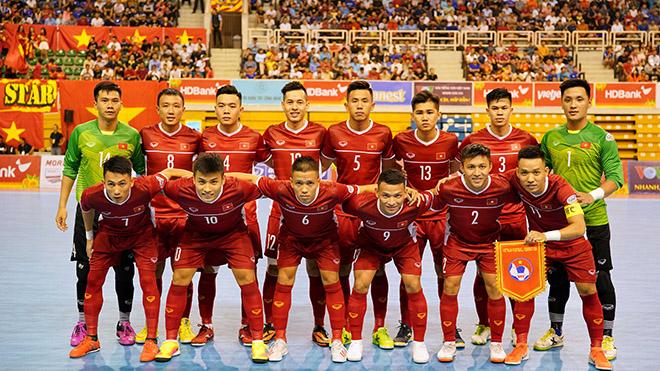 Thắng lợi 2-0 trước Australia giúp Việt Nam xếp đầu bảng B sau lượt trận đầu với 3 điểm như Indonesia nhưng xếp trên nhờ hơn hiệu số. Ảnh: Anh Lập