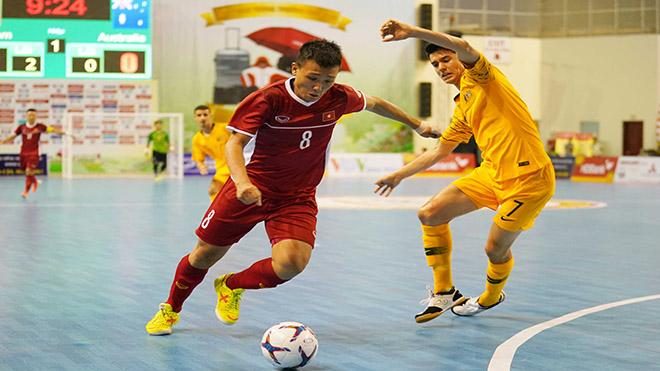 Minh Trí cùng đồng đội đã giúp Việt Nam có thắng lợi lịch sử trước Australia ngay trên sân nhà tối 21/10. Ảnh: Anh Lập